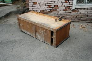 Шкаф для гербария в процессе реставрации
