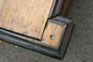 Детали шкафа до реставрации