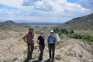 Исследователи ковылей: слева направо - Марчин Нобис, Полина Гудкова, Евгений Баяхметов