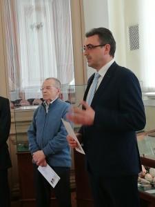 На открытии выставки с речью выступил Ректор ТГУ Эдуард Владимирович Галажинский