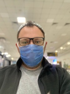 Денис Кривенко в аэропорту Ташкента